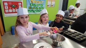 maison relais Rumelange - 3 filles font la cuisine